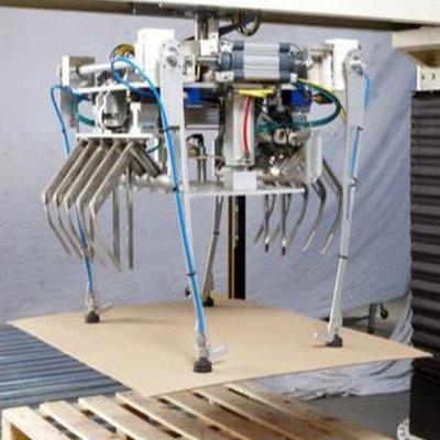 Механизм подхвата картонных листов межслойного перестила