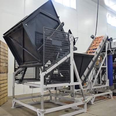Механизм выгрузки ящика 2.5 тонны с овощами
